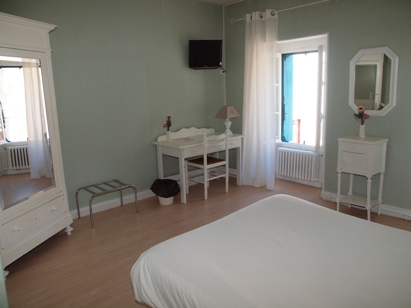 Chambre 4 Hotel Les Thermes Jonzac